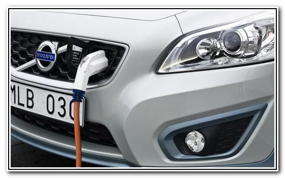 Новый Volvo C30 Electric в 6 раз быстрее, время перезарядки