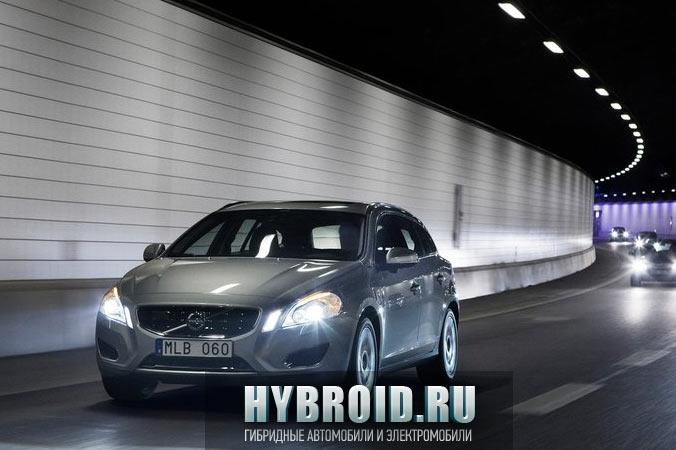 Volvo V60 в ночное время