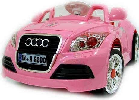 Розовый вариант детского электромобиля Audi TT