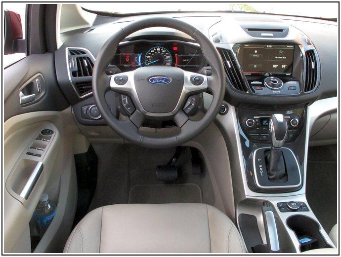 Ford C-Max Energi салон