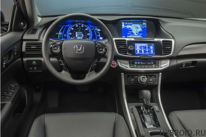Салон Honda Accord 2014 Hybrid