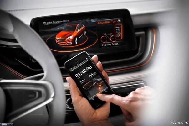 Большой экран в салоне BMW BMW Active Tourer Outdoor
