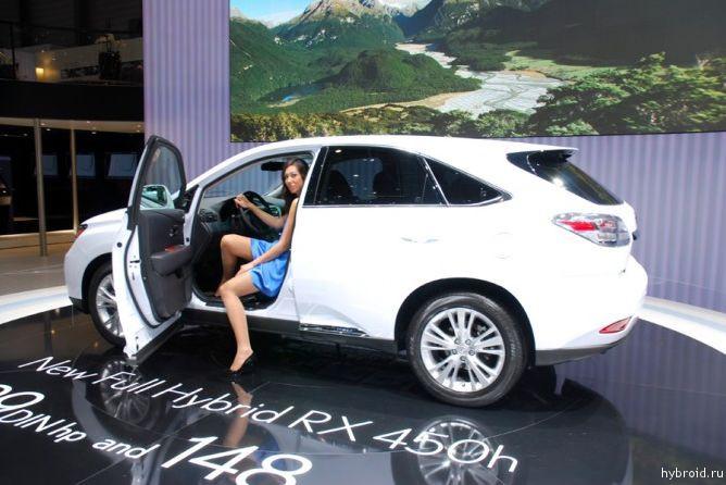 Гибридная версия внедорожника Lexus RX 450