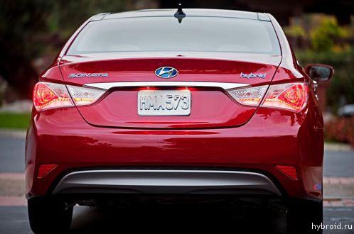Вид сзади - Hyundai Sonata Hybrid