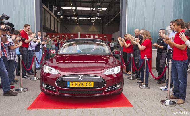 Завод Tesla в Тилбург