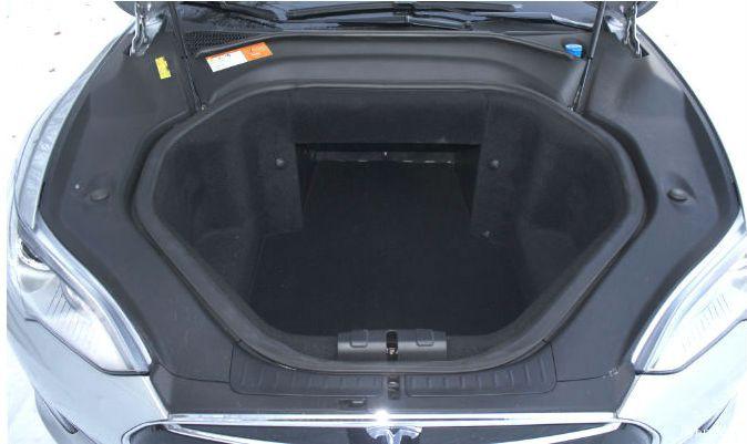 Под капотом в Tesla Model S