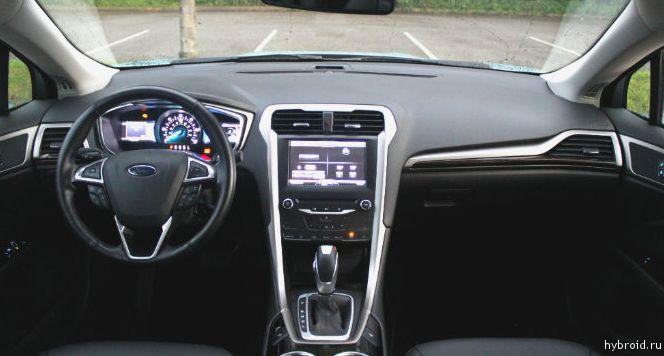 Внутренняя отделка гибридного автомобиля Форд Фьюжн