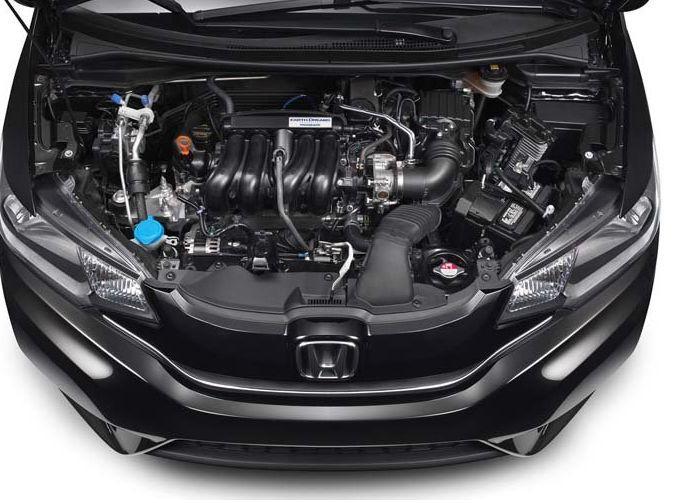 Под капотом Honda Fit 2015