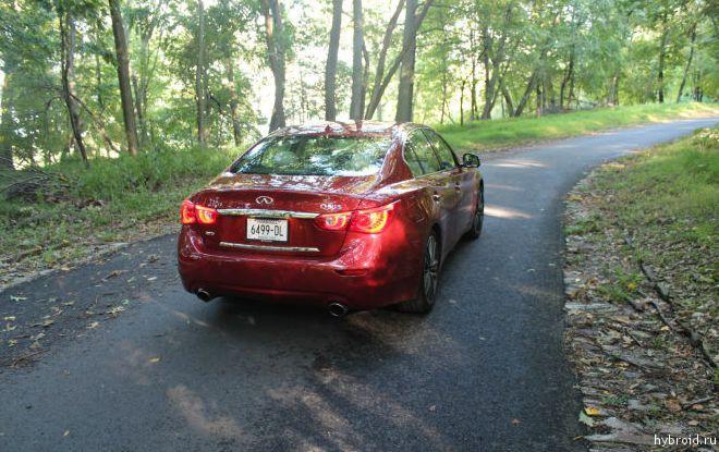 Infiniti Q50 Hybrid тест-драйв атвтомобиля