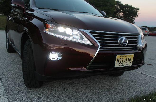 Световая оптика гибридного Lexus RX 450 просто впечатляет!