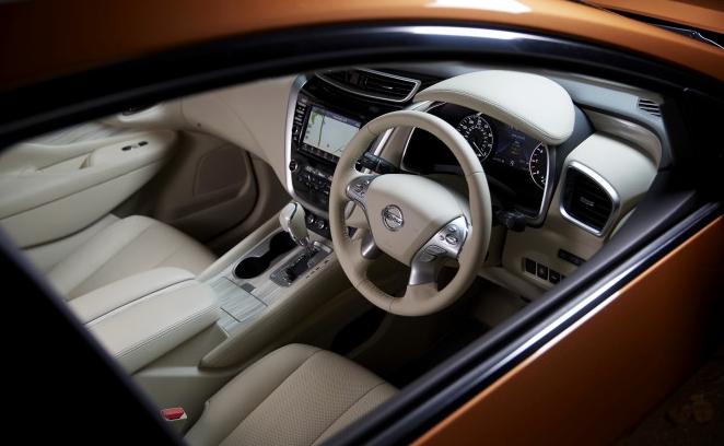 Салон Nissan Murano Hybrid 2015