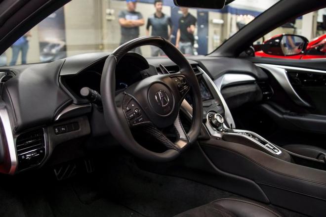 Салон Acura NSX 2016