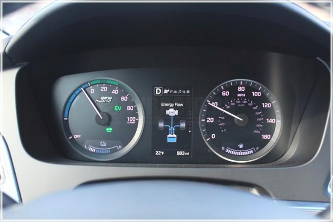 Hyundai-Sonata-Hybrid-img-39