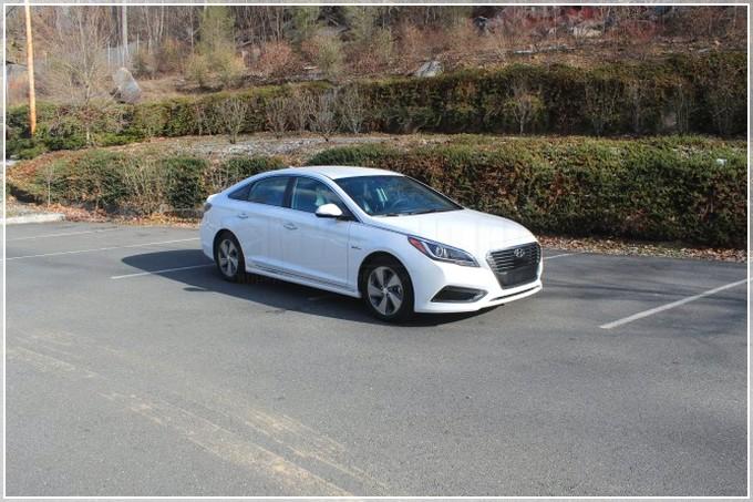 Hyundai-Sonata-Hybrid-img-40