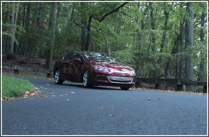 Достоинства и недостатки электромобиля Chevy Volt в России