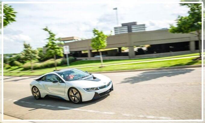 Обзор электромобиля BMW i8