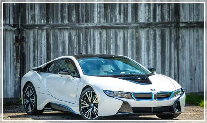 Внешний вид электрического автомобиля i8