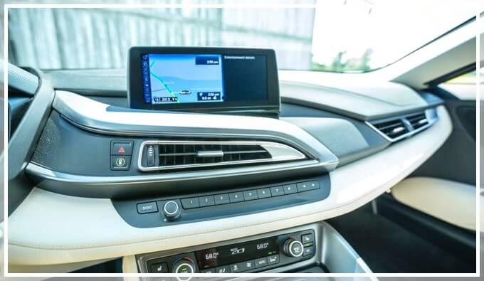 Навигация в электромобиле