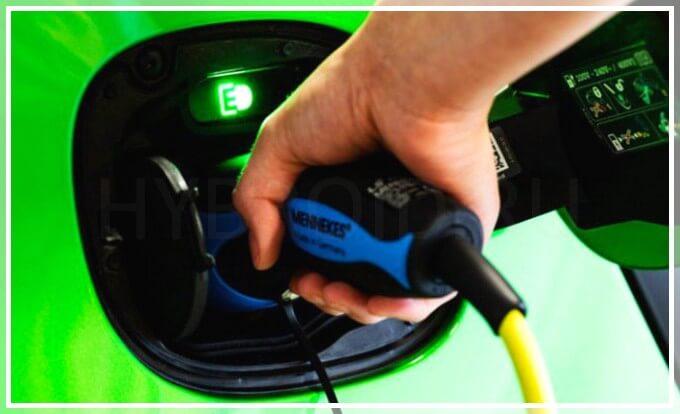 Зарядка электрического автомобиля smart