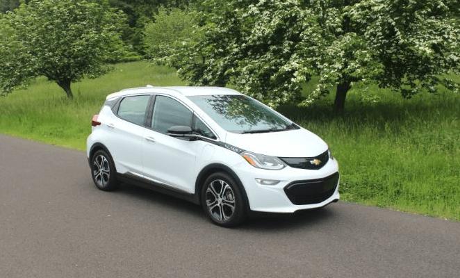 В мае было продано более 1566 электромобилей Chevy Bolt EV (Шеви Болт)
