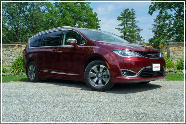 Chrysler Pacifica Hybrid 2017 года выпуска