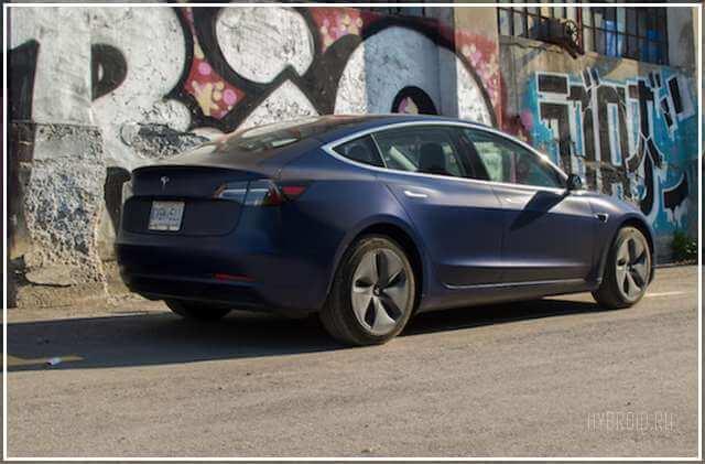 Обзор электрического автомобиля Tesla Model 3