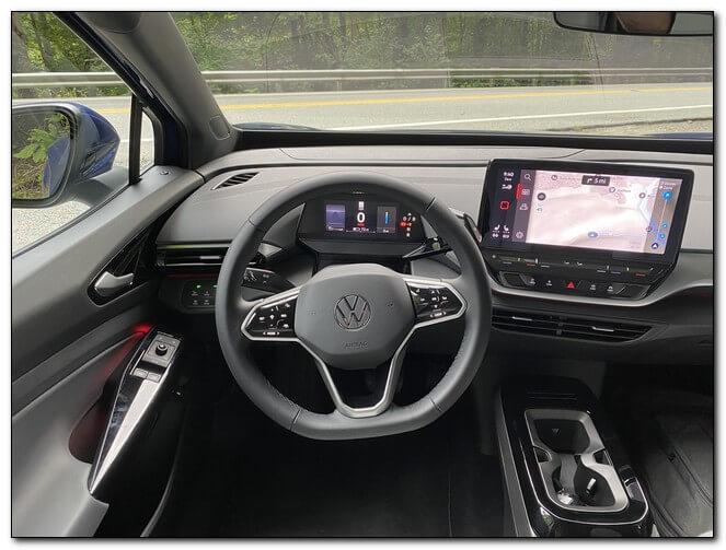 Приборная панель электромобиля Volkswagen ID.4